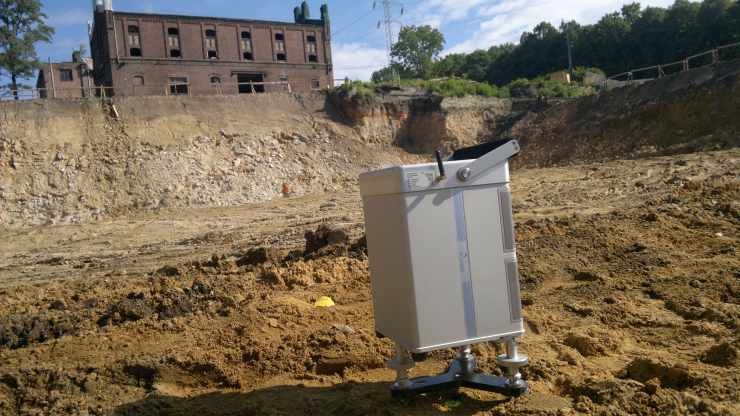 GeoSpectrum - Badania grawimetryczne w głębokim wykopie budowlanym mające na celu wykrycie anomalii gęstościowych w miejscu płyty fundamentowej budowanego obiektu wielkokubaturowego
