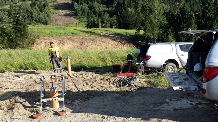 GeoSpectrum - Sejsmiczne badania otworowe metodą CROSSHOLE dla określenia in-situ parametrów wytrzymałościowych pod podpory projektowanego wiaduktu drogi ekspresowej