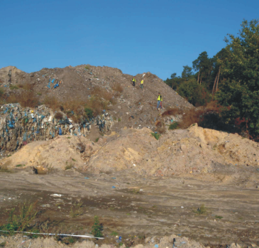 Seismic measurement on municipal wastedump place in order to identify the boundaries of layers and the range of wastes